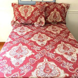 Pottery Barn Queen Size Red Patterned Duvet Cover